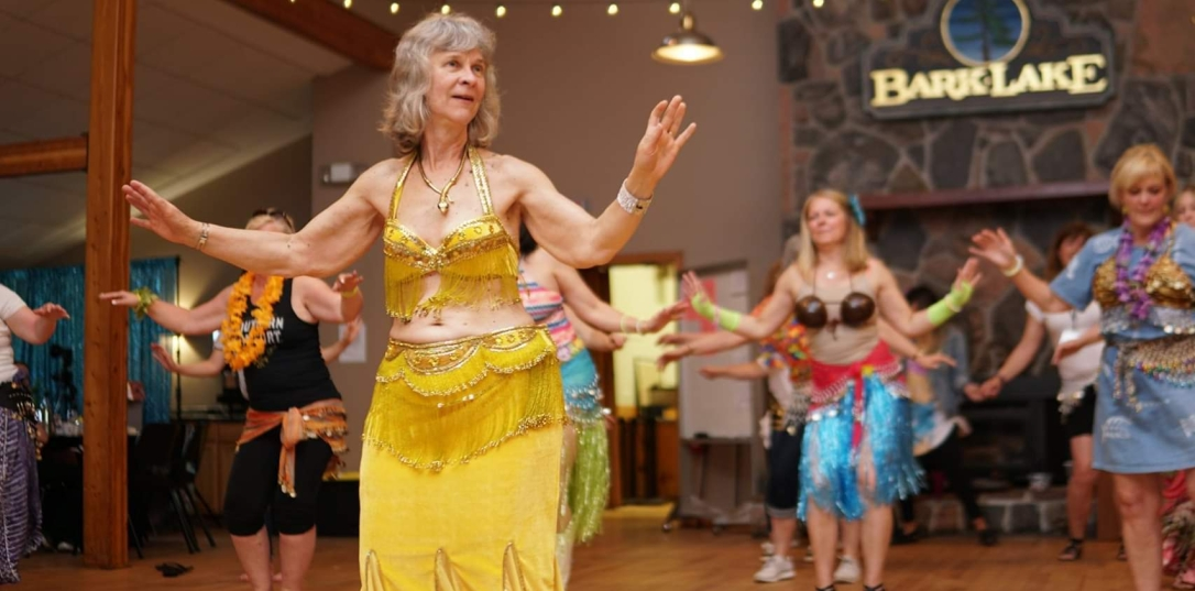 blog-photo-fota-allison-leads-bellydance-workshop-indoors-2.jpg